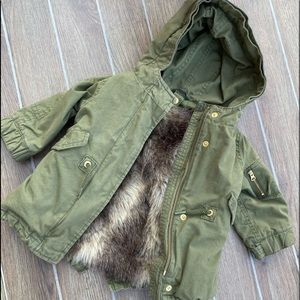 GAP 12-18M green jacket w/ faux fur vest like new